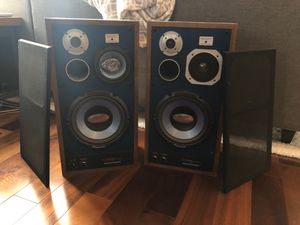 Pair of 400W Subwoofers for Sale in Chicago, IL
