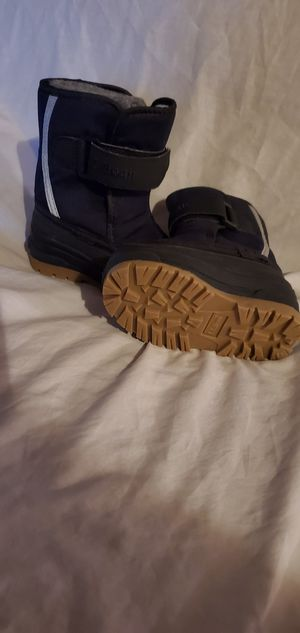 LL Bean winter boots size 5 *never worn* for Sale in Park Rapids, MN