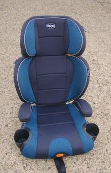 Chicco booster seat for Sale in Philadelphia, PA