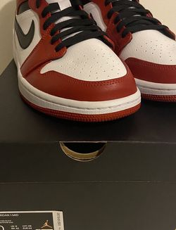 Air Jordan 1 Mid Chicago White Heel Toe size 10 554724-173 for Sale in Montgomery Village,  MD