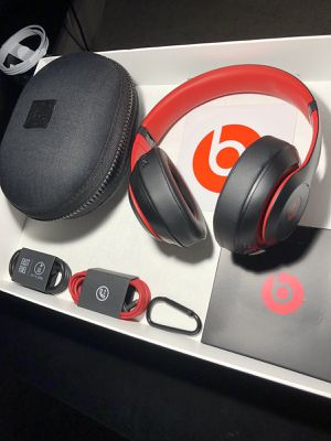 Beats Studio3 Wireless- Decade Edition for Sale in Rogers, AR
