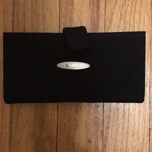 GUESS Wallet for Sale in Chicago, IL