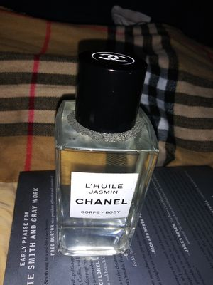 Chanel Lihue Jasmine Body Oil for Sale in Piedmont, CA