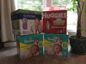 Baby Diapers for Sale in Kent, WA
