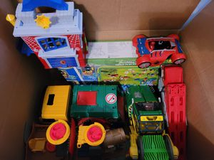 Box of Toys for Sale in Hialeah, FL