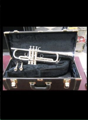 YAMAHA YTR6310ZS SILVER TRUMPET BRASS BAND JAZZ for Sale in Columbus, OH