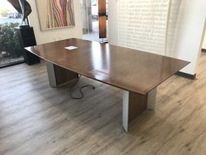 Conference Table 8' x 4' great condition. Office Furniture for Sale in Las Vegas, NV