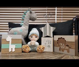 Uptown Giraffe AND Precious Moments Prayer Boy Plush plus other Baby Room Decor for Sale in Phoenix, AZ