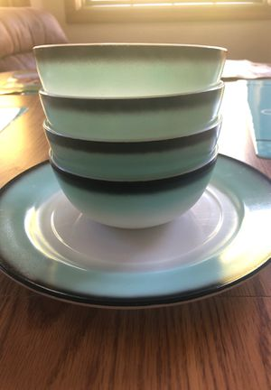 Turquoise Hazel Atlas plate and 4 bowls for Sale in Puyallup, WA