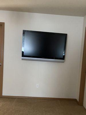 Polaroid. TV excellent condition 45 inches for Sale in Covington, WA