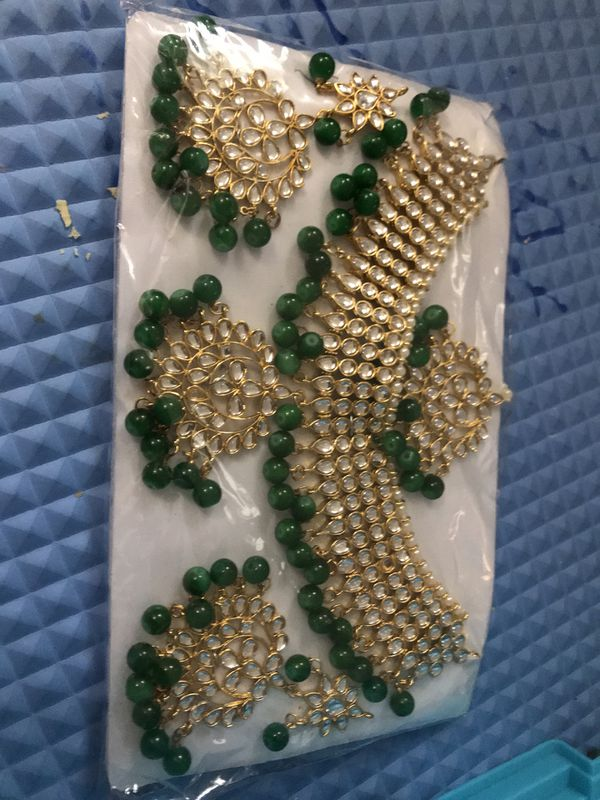Beautiful kundon necklace set