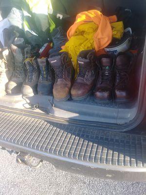 Zapatos con punta de hierro para el travajo en vuen estado. Precio varía negociable size 10 .13 .12.9.5 for Sale in UNIVERSITY PA, MD