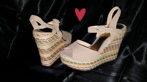 SIZE 8 WOMEN'S CREAM SUEDE WEDGE HEELS♡♡ for Sale in Los Angeles, CA