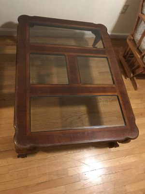 Coffee table for Sale in Lynn, MA