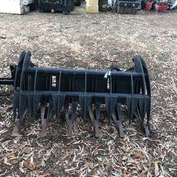 Skidsteer Bobcat Grapple Bucket Heavy Duty Like New for Sale in La Puente,  CA