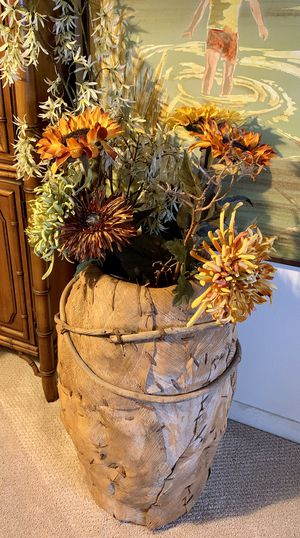 Bamboo decor w flowers for Sale in Saint Petersburg, FL