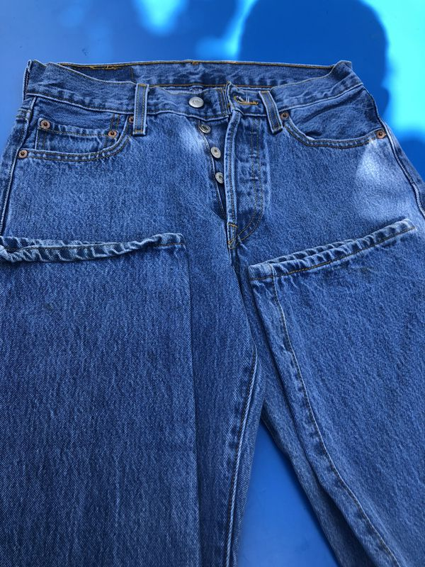 Mens Levis 501 jeans button fly faded blue size 32x30