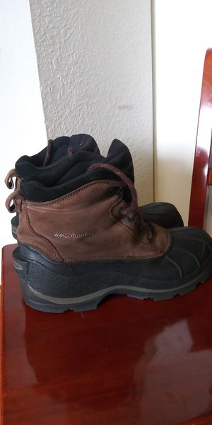 Columbia water proof boots mens size 10. for Sale in Tacoma, WA