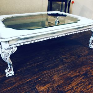 Vintage Coffee Table Eagle Rock Legs Rustic White Wood Shabby Chic for Sale in West Palm Beach, FL
