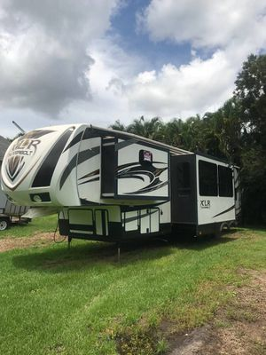 2014 Forest River XLR Thunderbolt 395AMP for Sale in Fort Lauderdale, FL