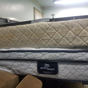 Queen Bed And Frame for Sale in Everett, WA