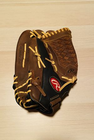 Rawlings Renegade RL130B 13inch glove left hand throw for Sale in Queen Creek, AZ
