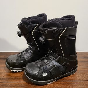 Snowboard Boots Sz 9 for Sale in Normandy Park, WA