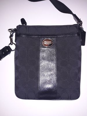 Coach Signature Messenger Crossbody Bag for Sale in Englewood, CO