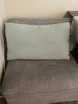 2 Couch Piece Free for Sale in Gresham,  OR