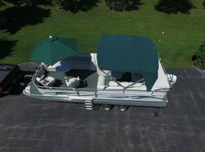 2006 Manitou Legacy Pontoon Boat__very clean for Sale in Baton Rouge, LA