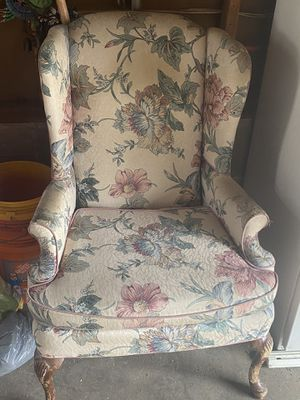 Wing back chair -Free for Sale in Bethlehem, PA