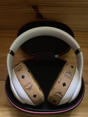 Beats By Dr. Dre Wireless Studio 3 Headphones for Sale in Trumbull, CT