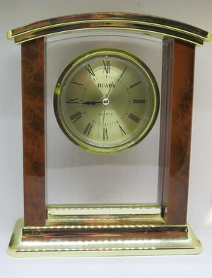 Mantel Clock Quartz Huaba Alarm Also Like New for Sale in Boca Raton, FL