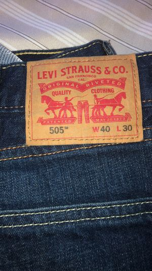 40/30 LEVI STRAUSS 505 for Sale in Crafton, PA