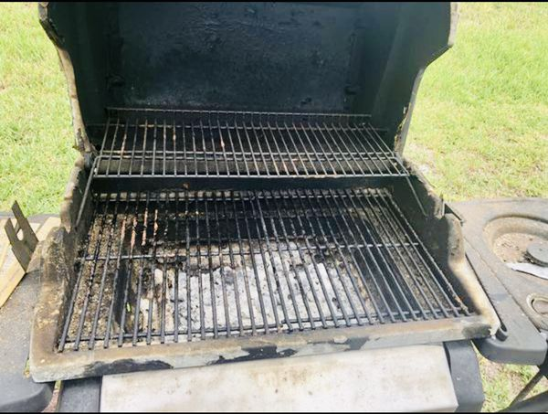 BBQ grill PICK UP ONLY WINTER HAVEN