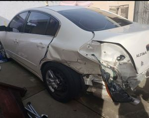 white 2011 Nissan Altima for parts for Sale in Los Angeles, CA