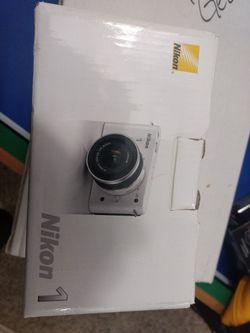***Brand new Nikon 1 Camera 📸 and Sanyo Camera*** for Sale in Aurora,  CO