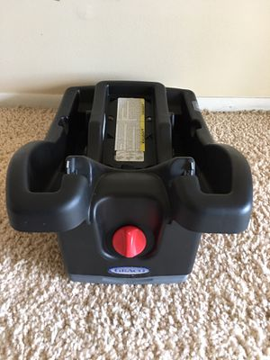 Graco SnugRide Click Connect Infant Car Seat Base for Sale in St. Louis, MO