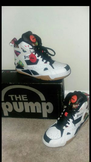 Reebok pumps for Sale in Glen Burnie, MD