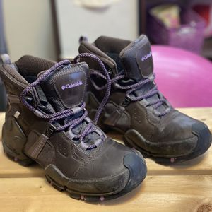 Hiking Boots Size 6.5 for Sale in Wichita, KS