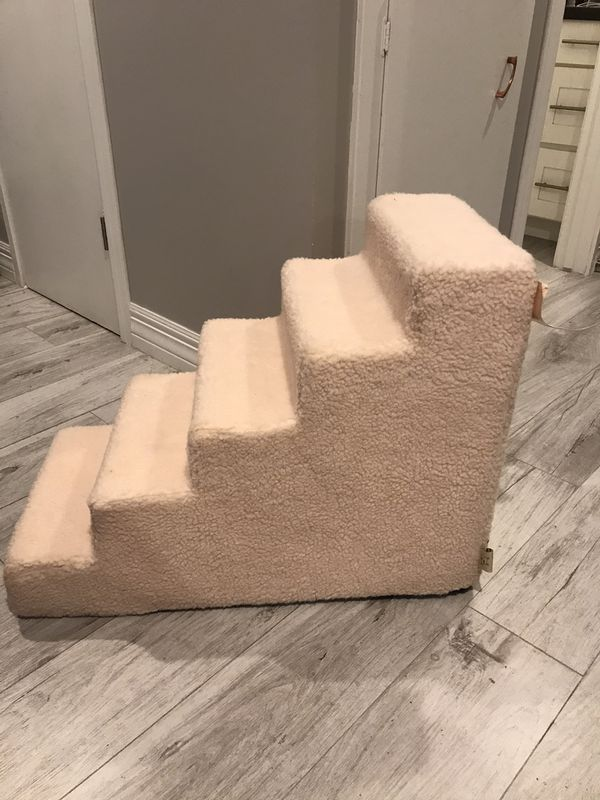 Dog Pet Stairs must sell by weekend