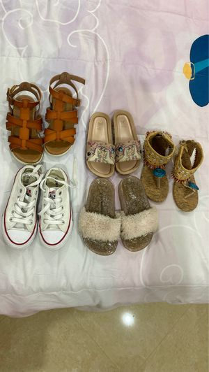 Girls shoes size 11 for Sale in Sunrise, FL