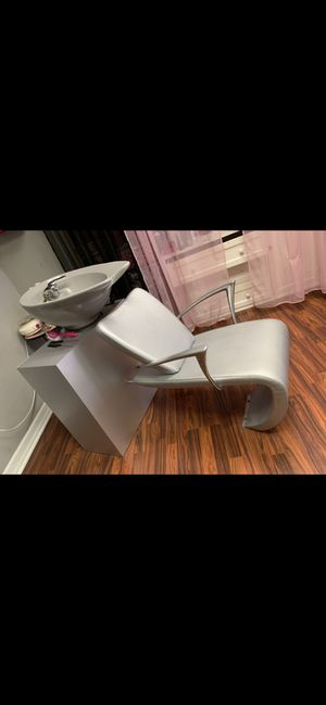 Salon station, chair and shampoo bowl unit for Sale in Milton, PA