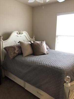 Bed frame with storage & matching dresser for Sale in Aubrey, TX