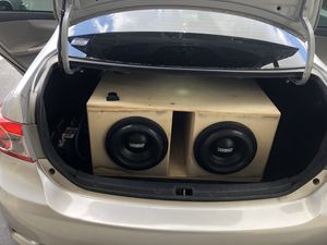Two sundown x10s two Orion xtr pro 2500.1 amps and 30 hertz custom box for sale for Sale in Tampa, FL
