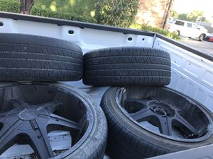 22 inch Range Rover wheels and tires black for Sale in Carrollton, TX
