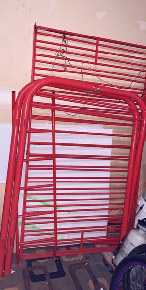 Metal twin bunk bed for Sale in Everett, WA