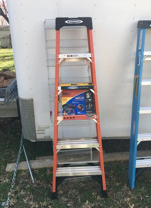 Step ladder 6 feet for Sale in Nashville, TN
