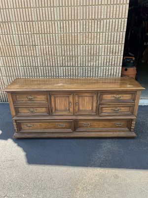Old dresser ready to be refurbished for Sale in Acworth, GA