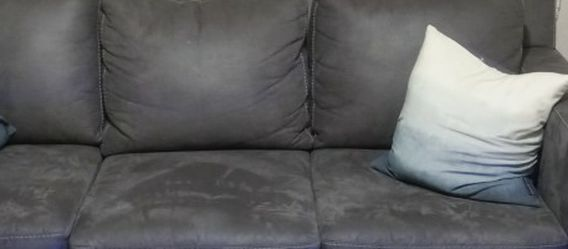 Grey LEATHER LIVING ROOM COUCH AND LOVESEAT for Sale in St. Louis,  MO